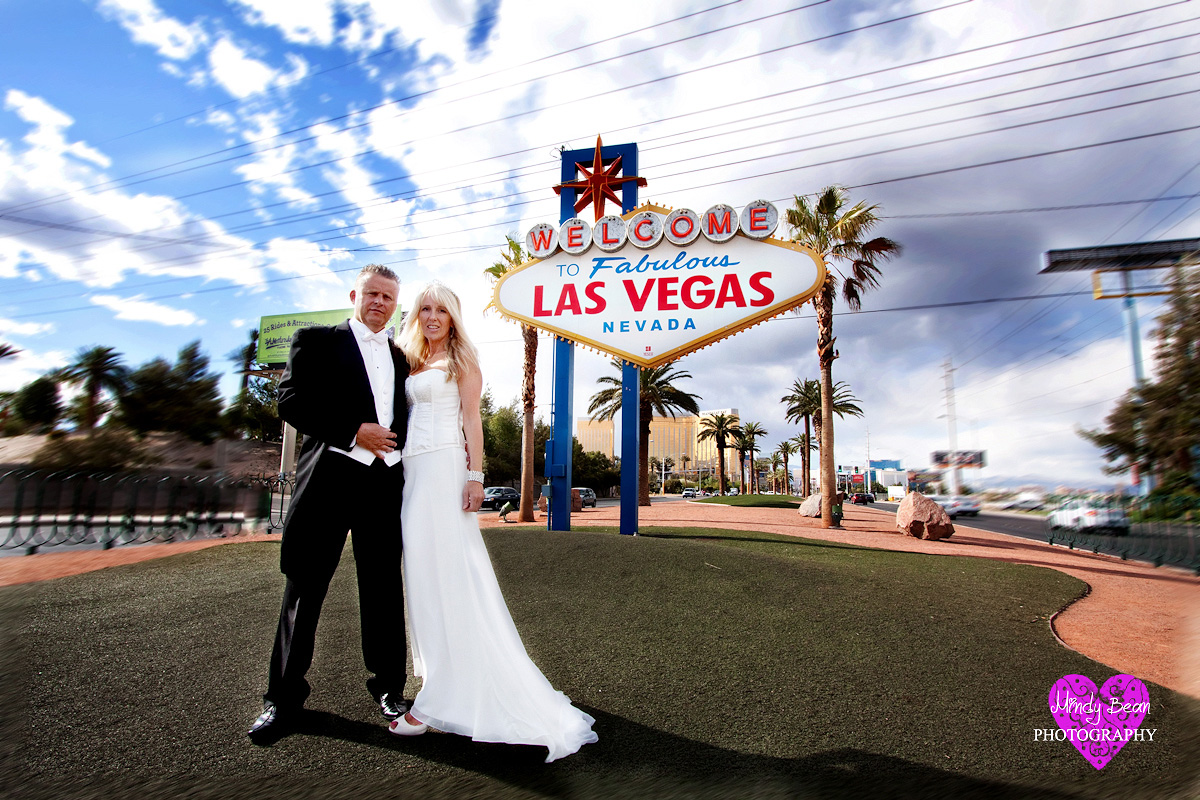 Paul And Lindsay Las Vegas Strip Wedding Pictures Photographer